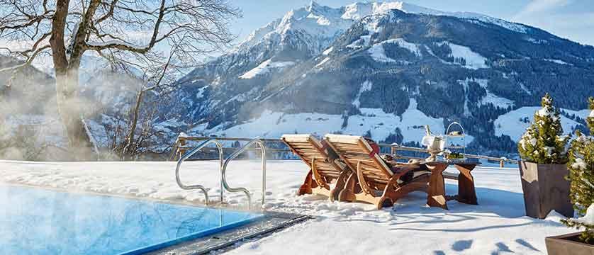 Austria_Kitzbuhel_Schloss_Mittersill_outdoor-pool.jpg